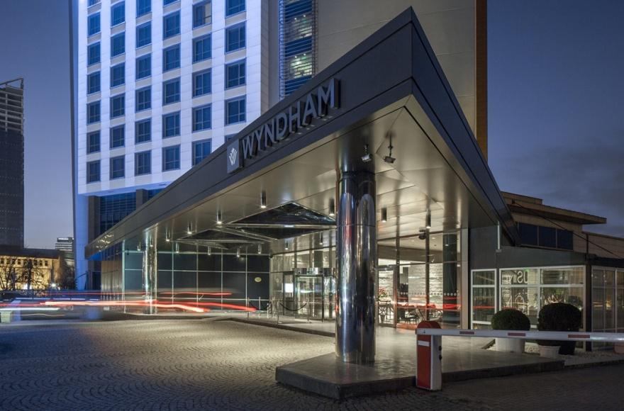 _Wyndham_Ankara/_Hakkimizda/Otel_Girisi_Wyndham_Ankara_240.jpg